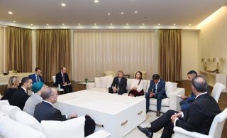 baku-petrocelli in azerbaijan dinanzi alla figlia del dittatore che per le sue pargole ha aperto conti off shore in paradisi fiscali
